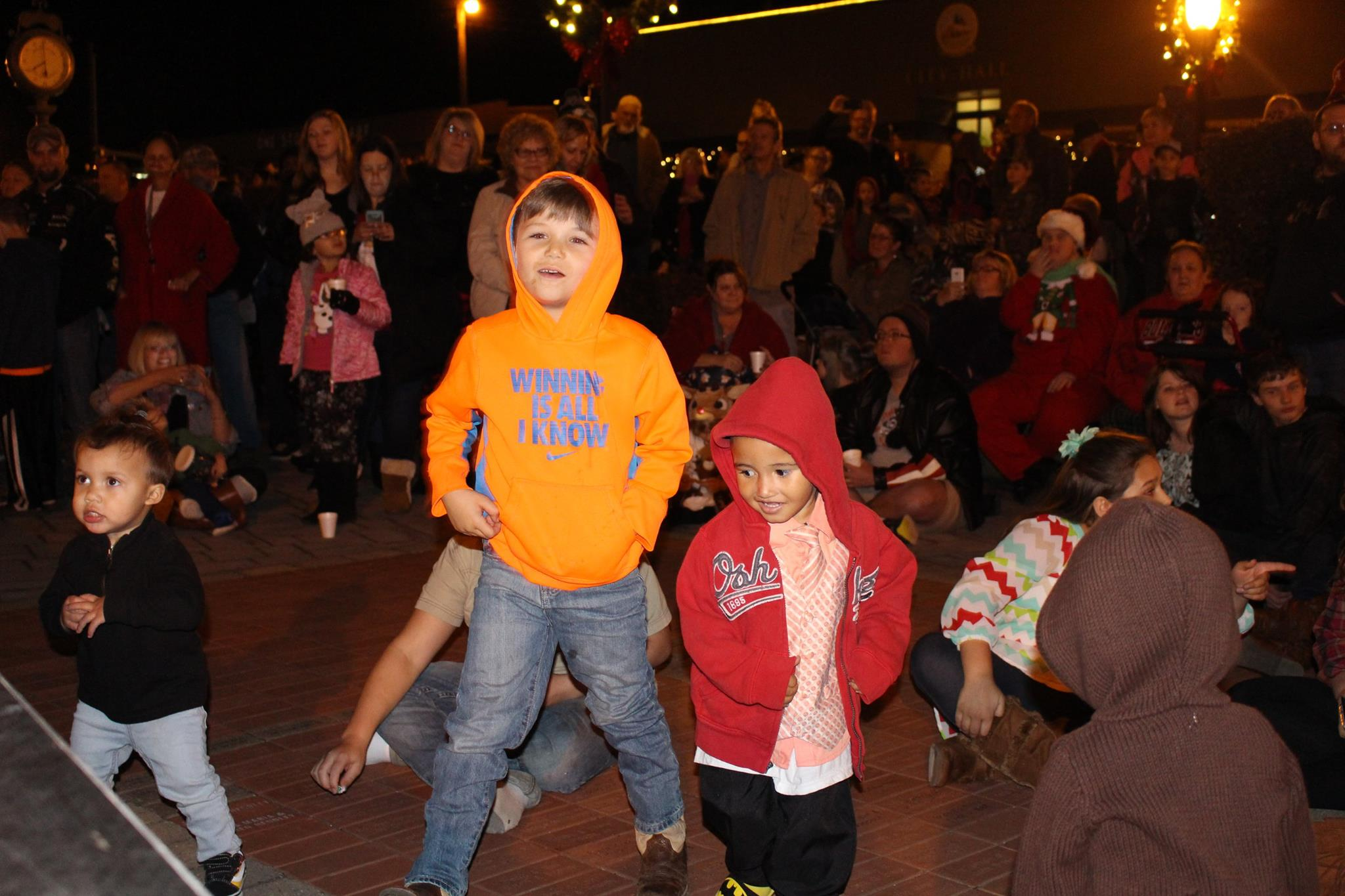 tree lighting_kids